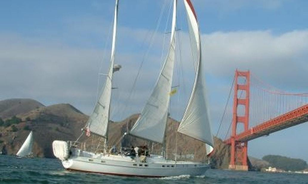 Sail San Francisco Bay On Yacht with Captain Pam