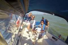 Yachts: Enjoy a sailing adventure on San Francisco Bay