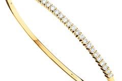 Selling: 9ct Yellow Gold 1.10ctw Diamond Bangle