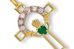 Selling: Y/G Cz Claddagh Cross