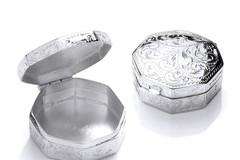 Selling: Silver Trinket (Pill) Octagon Design Box