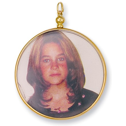 Selling: Y/G Large Picture Frame Pendant