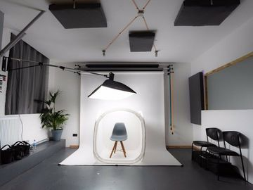 Hire per hour (online payment Visa Mastercard Amex): Photography Studio Hire In South West London, Wimbledon