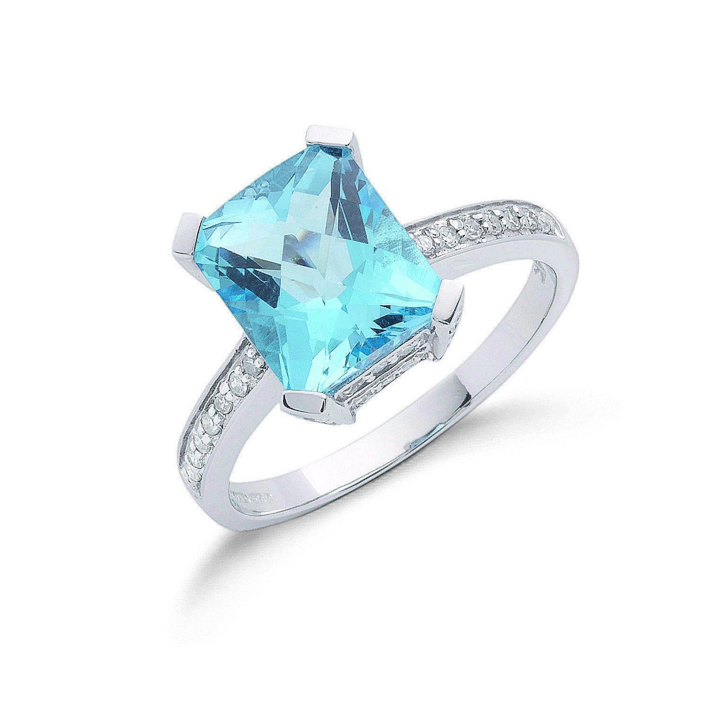 9ct W/G 0.42ct Diamond & 4.40ct Blue Topaz Ring