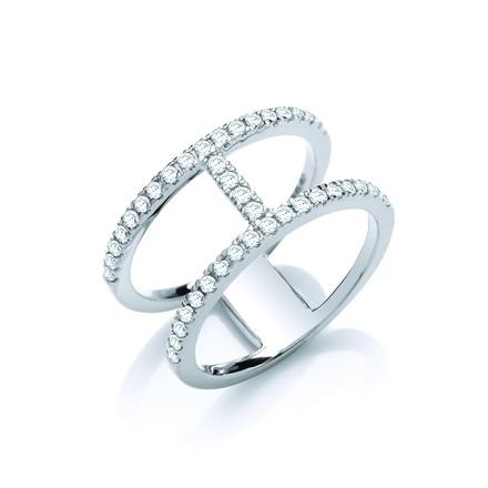 Selling: 18ct White Gold 0.42ct Diamond Ring