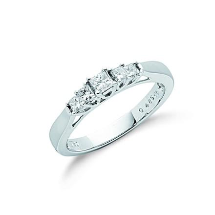 Selling: 18ct White Gold 0.50ct 5 Stone Princess Cut Diamond Ring
