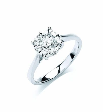 Selling: 18ct White Gold 0.50ct Illusion Set Diamond Ring