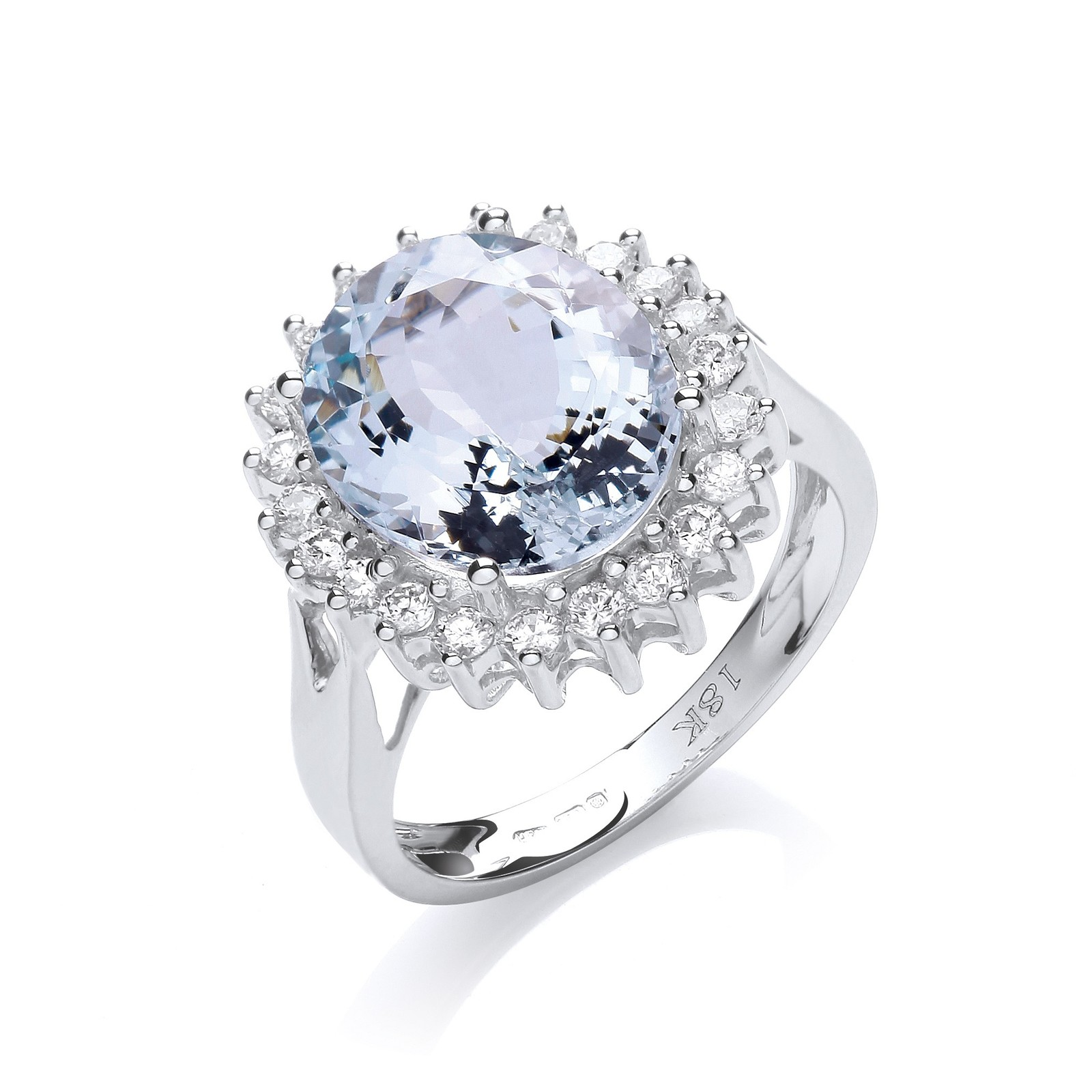 18ct White Gold 0.40ct Diamond & 4.4ct Aquamarine Ring