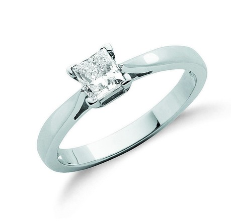 Selling: 18ct White Gold 0.50ct Princess Cut Diamond Engagement Ring