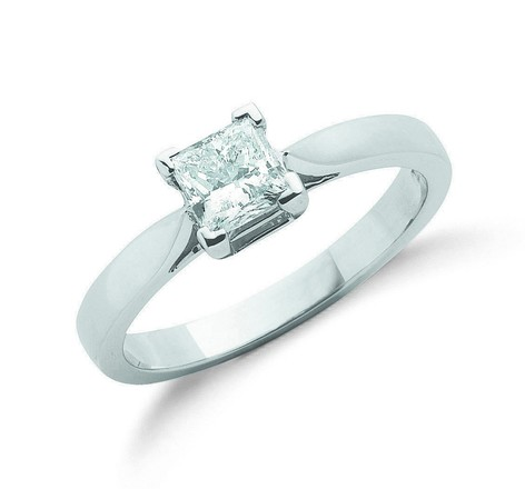 Selling: 18ct White Gold 0.70ct Princess Cut Diamond Engagement Ring