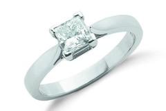 18ct White Gold 0.70ct Princess Cut Diamond Engagement Ring