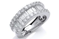 18ct White  Gold 2.00ct Baguette & Brilliant Diamond Ring