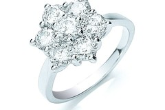 18ct White Gold 7 Stones D.2.0ctw Cluster Diamond Ring