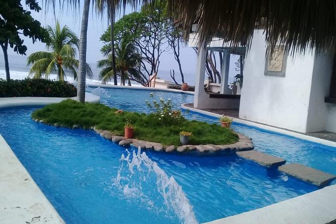 Esymar, playa El Tunco