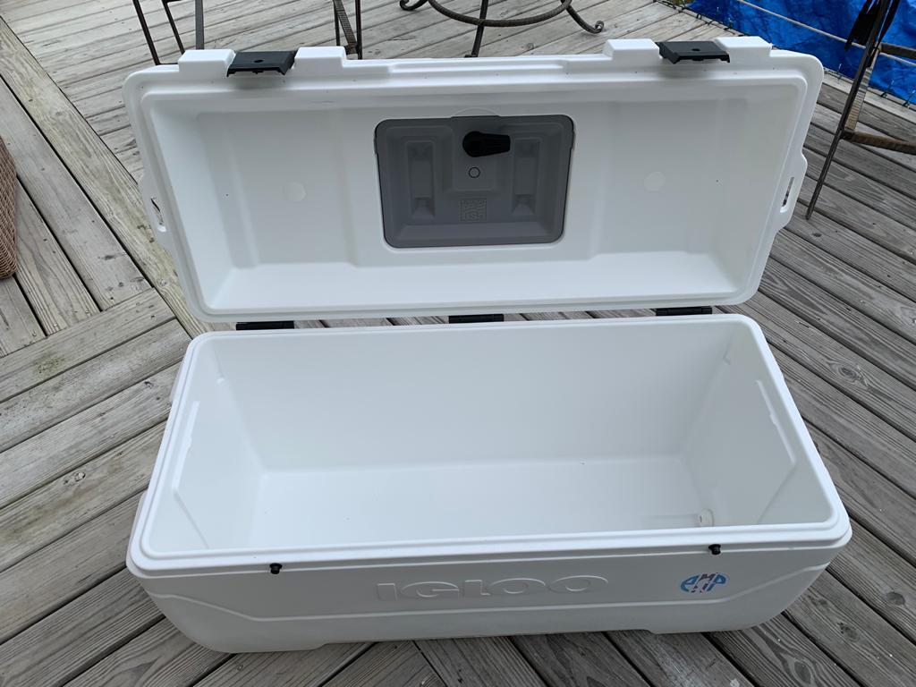 Large Igloo Cooler