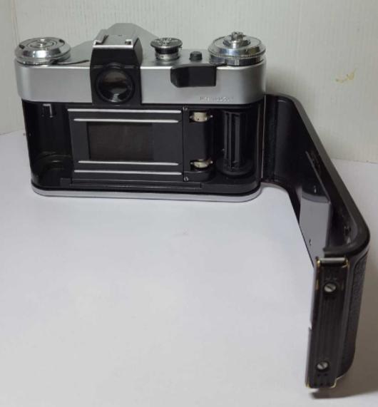 Зинет-е хальсны зургийн аппарат зарна. Үнэ:180,000₮ Утас:99588320