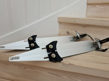 Selling: Nordic skates and boots, Lundhags