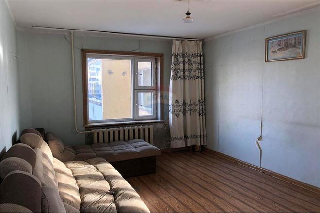 ХУДАЛДАХ: Дархан, Хээтэй хороолол 1А байранд 1 өрөө байр худалдана