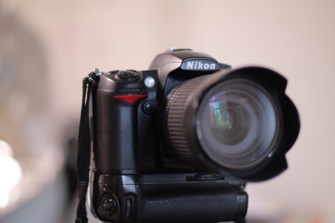 ХУДАЛДАХ: Nikon d7000 зарна. Үнэ: 650,000₮ Утас: 95657092