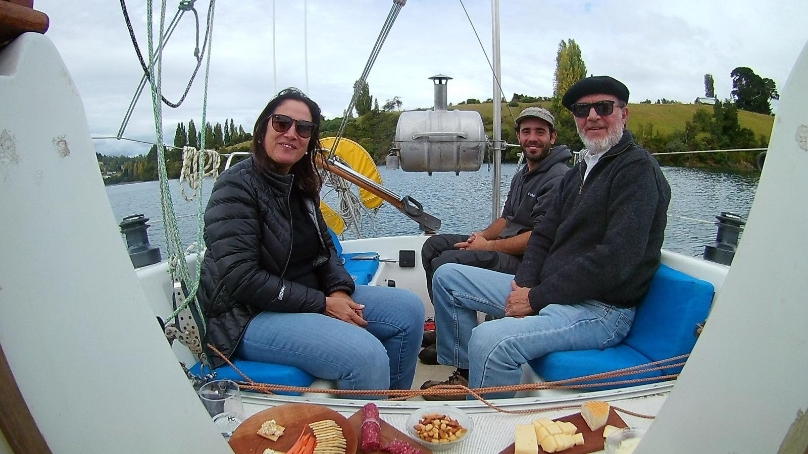 Día de Vela con parrillada a bordo en Chiloé