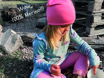 Selling: Merino wool beanie