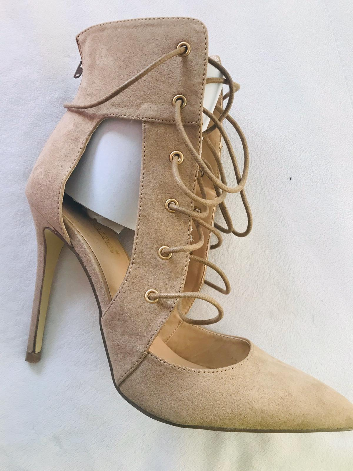 """4"""" Pumps (size 9) Taupe"""