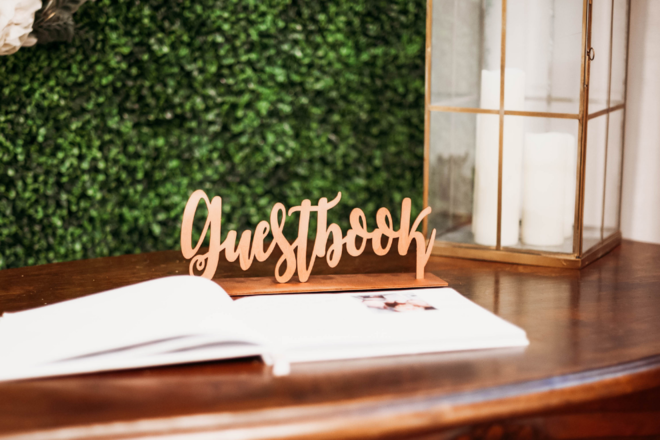Nightly rental: Wood Rose Gold Guestbook Sign