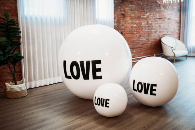 Nightly rental: Big Love Ball Trio