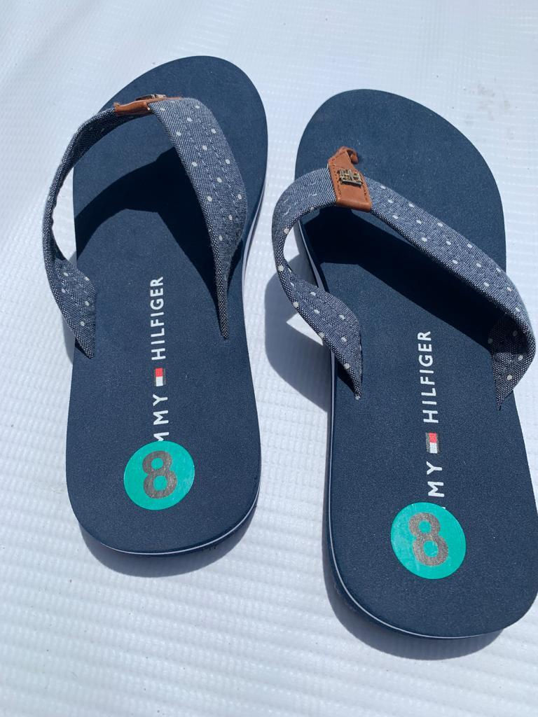 Tommy Hilfiger Slippers (size 8)