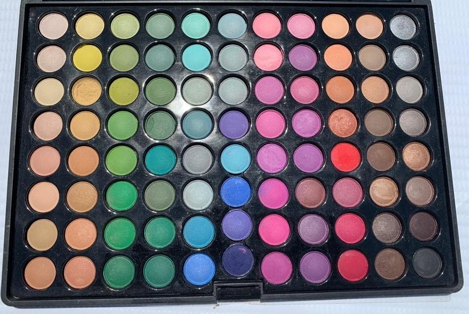 Eye Shadow Palette w/Case