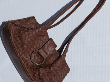 Sell: Brown Textured Purse