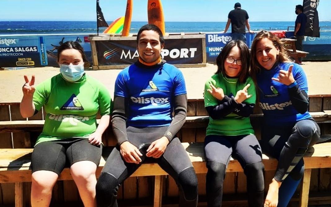 Clase personalizada de Surf adaptado, Playa la Boca, Concón