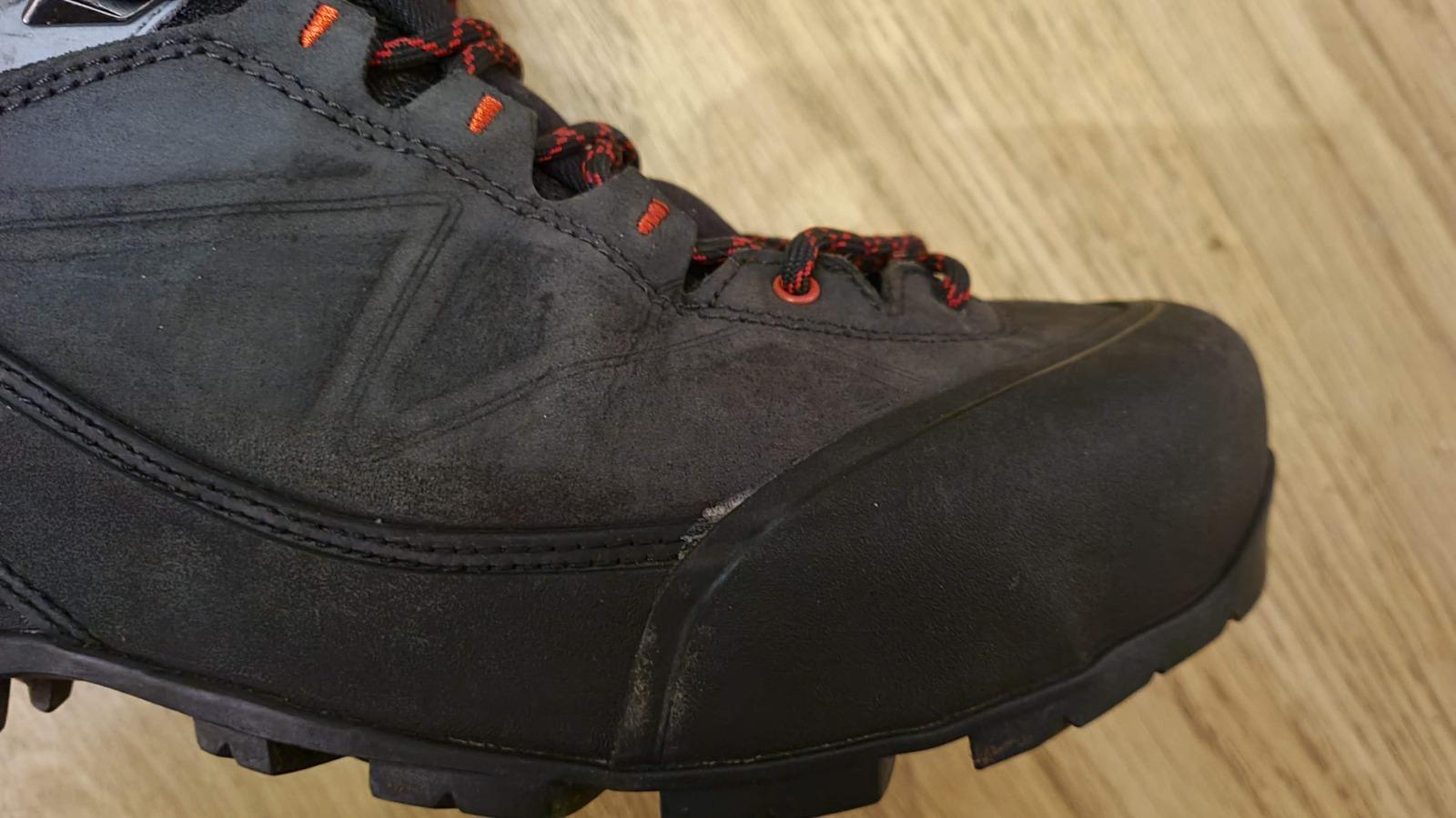 Salomon X-Alp Mountaineering boots