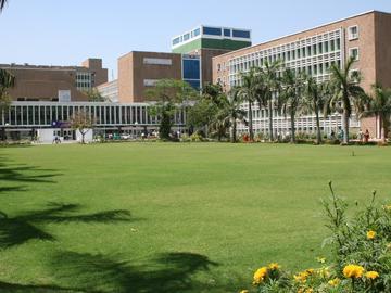 Stay Near Hospital: AIIMS, New Delhi
