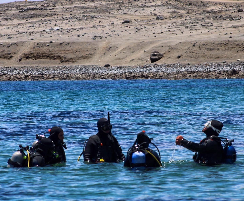 Bautizo de buceo en la Isla Santa María, Antofagasta