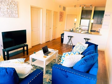 Renting out with online payment: ★Mid-Rise Marvel in Midtown Houston★ WiFi ★