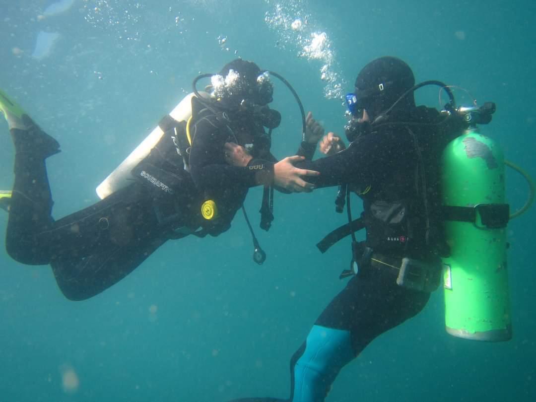 Curso PADI Rescue Diver en Quintay