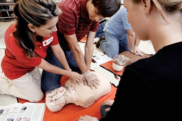 Curso PADI Emergency First Response (EFR) en Algarrobo