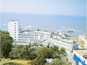 Stay Near Hospital: Breach Candy Hospital, Mumbai