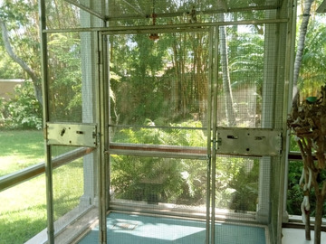 Sell: Indoor/Outdoor Aviary