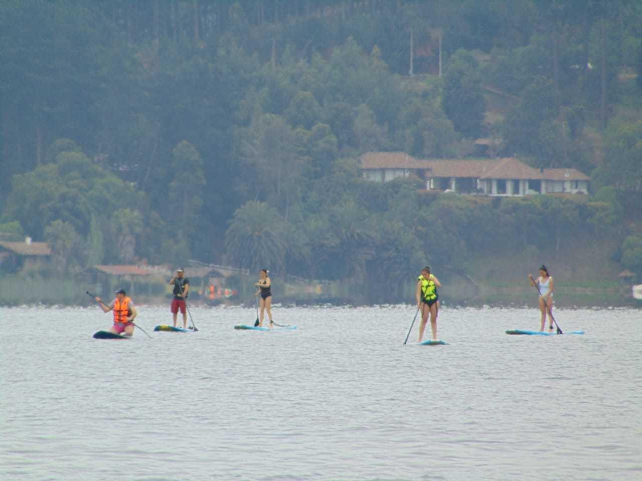Travesía de SUP (Stand-Up Paddle) en el Lago Vichuquén