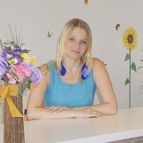 Dr. Silvia Popescu